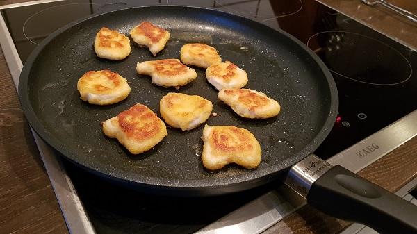 Wenn's mal schnell gehen muss: Chicken Nuggets beim Anbraten